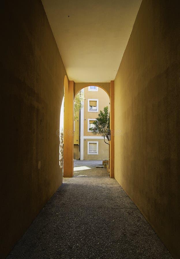 El pasillo anaranjado fotos de archivo libres de regalías