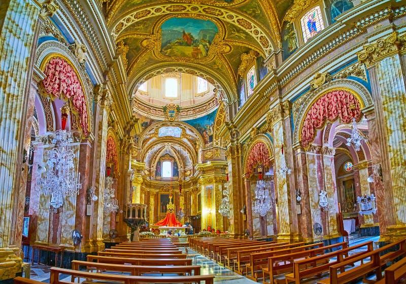 El pasillo del rezo de la basílica de Nadur, Gozo, Malta fotos de archivo