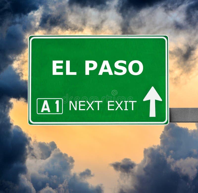 EL PASO Verkehrsschild gegen klaren blauen Himmel stockbilder