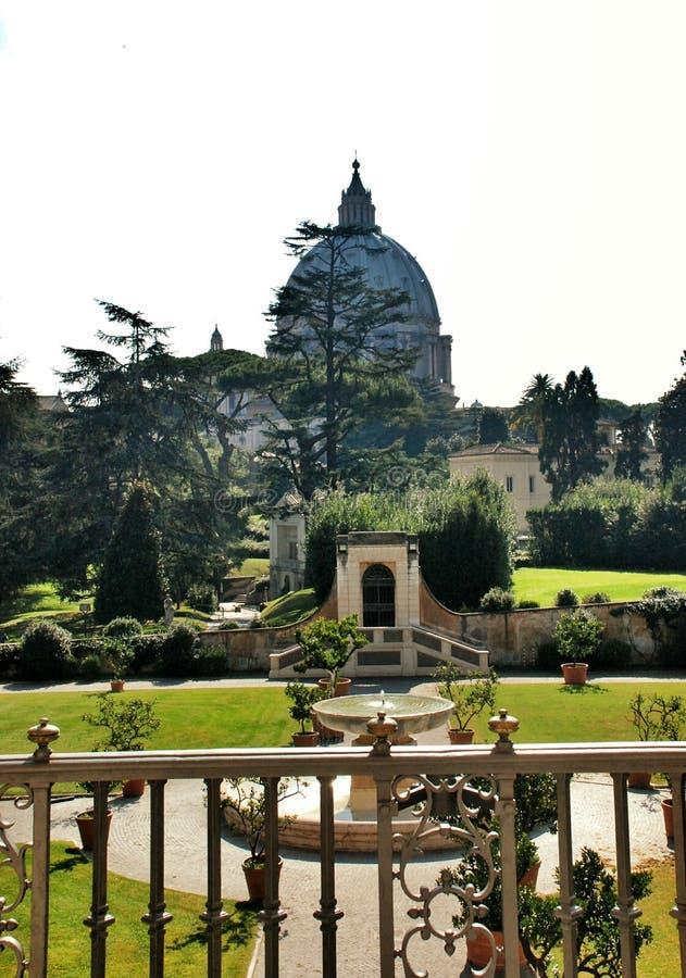 El patio del Vaticano foto de archivo