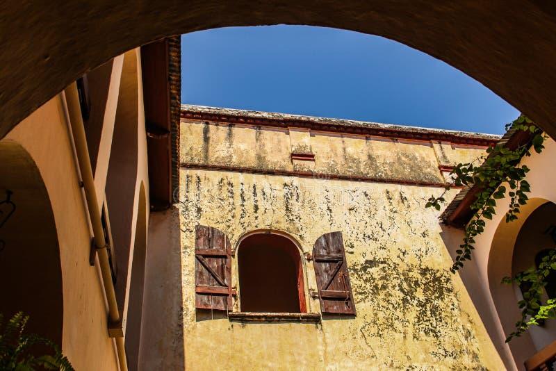 El patio inOpen el patio en Hostellerie du Roi Christophe Cap Haitien, Haití foto de archivo