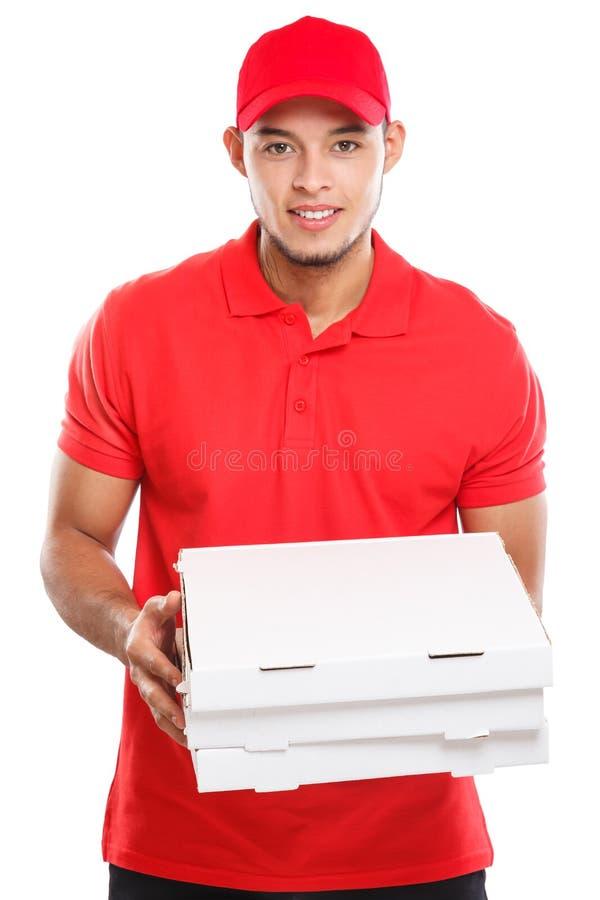 El pedido latino del muchacho del hombre de la entrega de la pizza que entrega trabajo entrega joven de la caja aislado en blanco imagenes de archivo