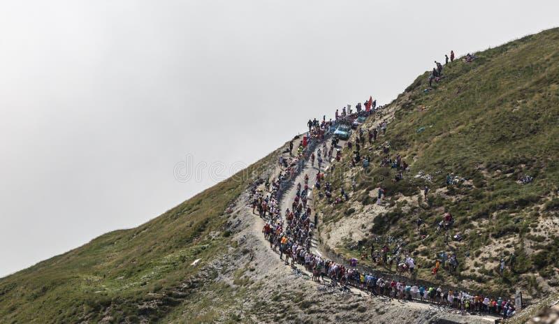 El Peloton en Col du Tourmalet - Tour de France 2019 imagen de archivo