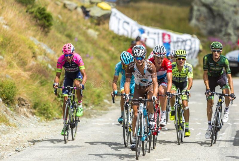 El Peloton en las montañas - Tour de France 2015 imágenes de archivo libres de regalías