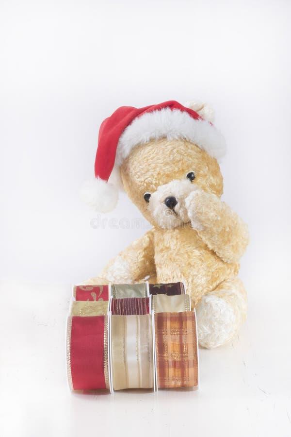 El peluche de la Navidad refiere el fondo blanco imágenes de archivo libres de regalías