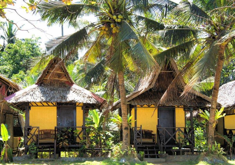 El pequeño pueblo en la selva tropical imagen de archivo