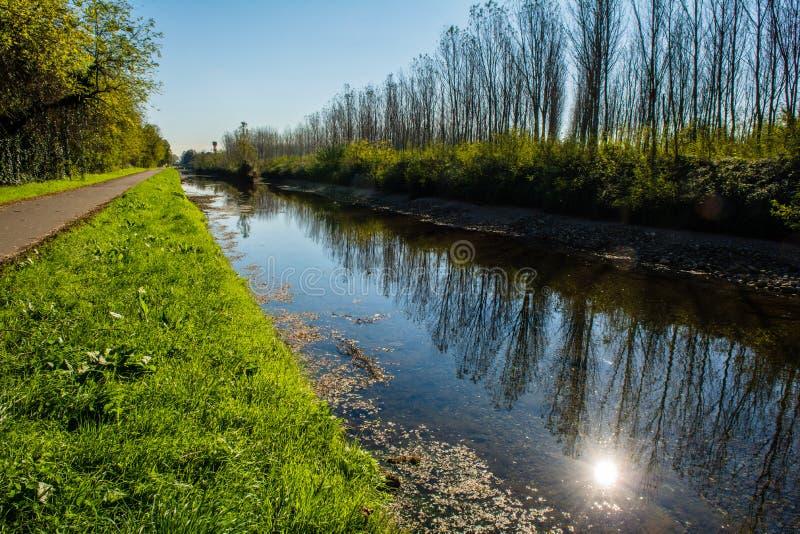 El pequeño río imagen de archivo libre de regalías