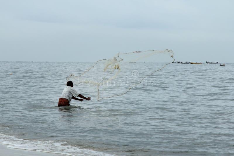 El pescador rechaza su red imagenes de archivo