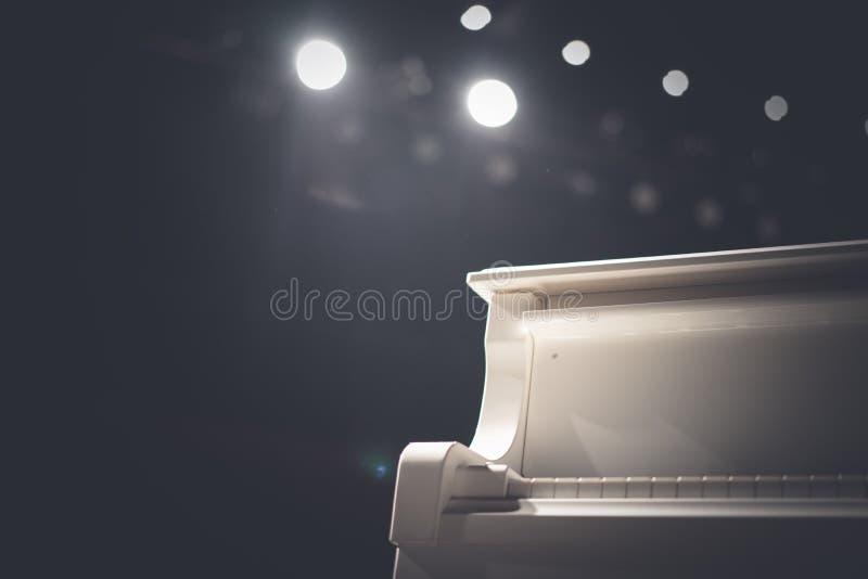 El piano imagenes de archivo
