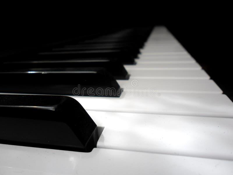 El piano afina el primer foto de archivo
