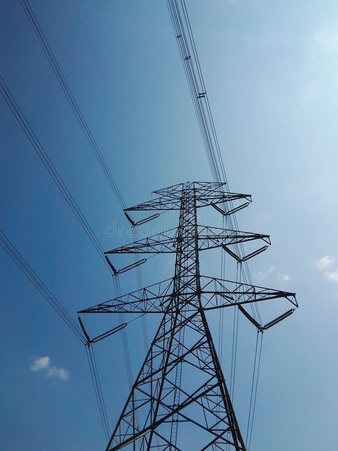 El pilón de la electricidad fotografía de archivo