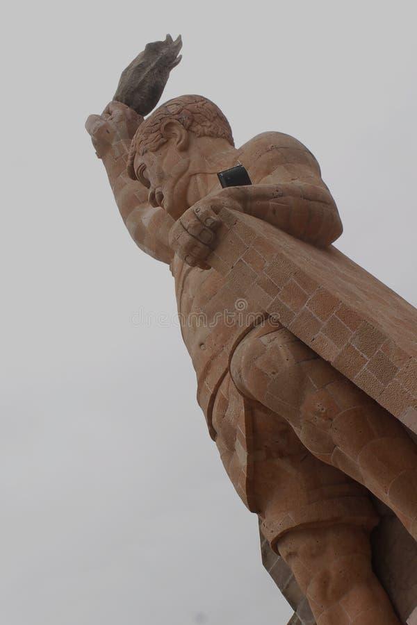 EL Pipila, estátua grande na cidade de Guanajuato imagens de stock royalty free