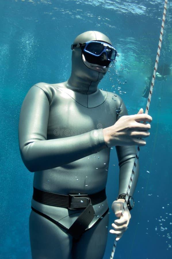 El placer de freediving imagenes de archivo