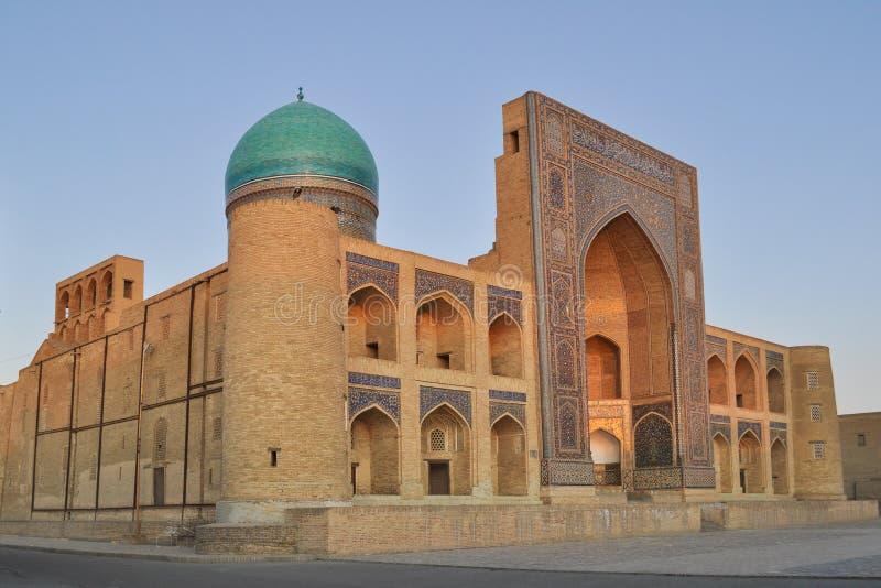 El Poi Kalyan Mosque está situado en la parte histórica de Bukhara fotos de archivo libres de regalías