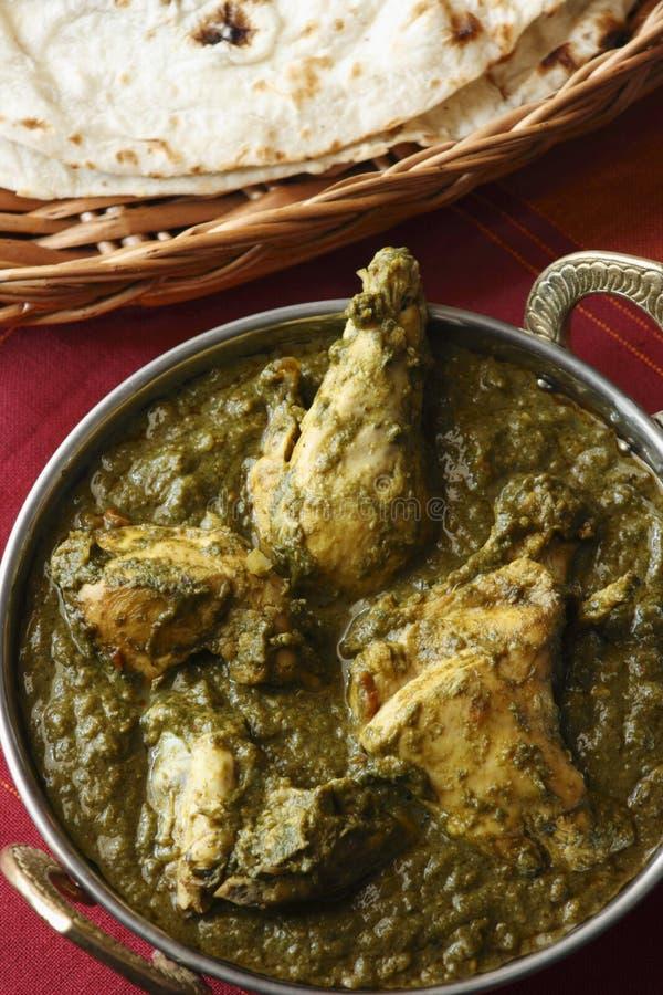 El pollo de Saag es una verdura india del norte fotografía de archivo libre de regalías