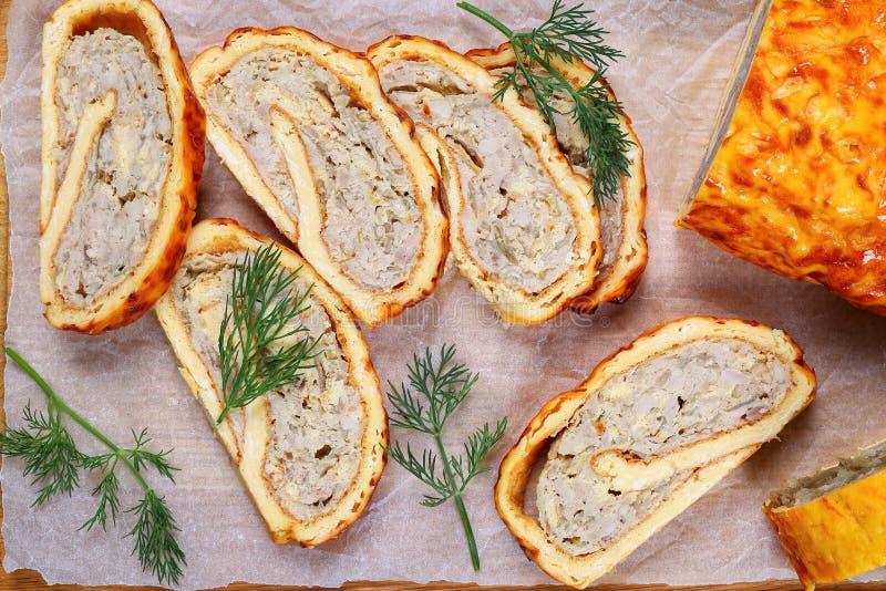 El pollo de tierra delicioso prolifera rápidamente pan con carne picante fotografía de archivo