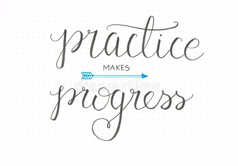 El ` practica hace ` del progreso las letras honestas de la mano que dicen en negro con una flecha stock de ilustración