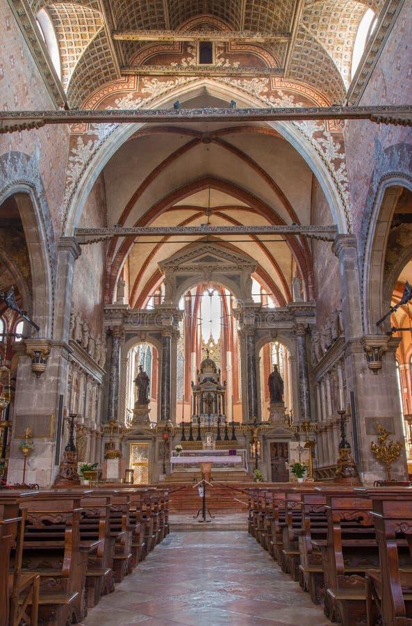 El presbiterio de la iglesia Chiesa di San Stefano fotos de archivo libres de regalías