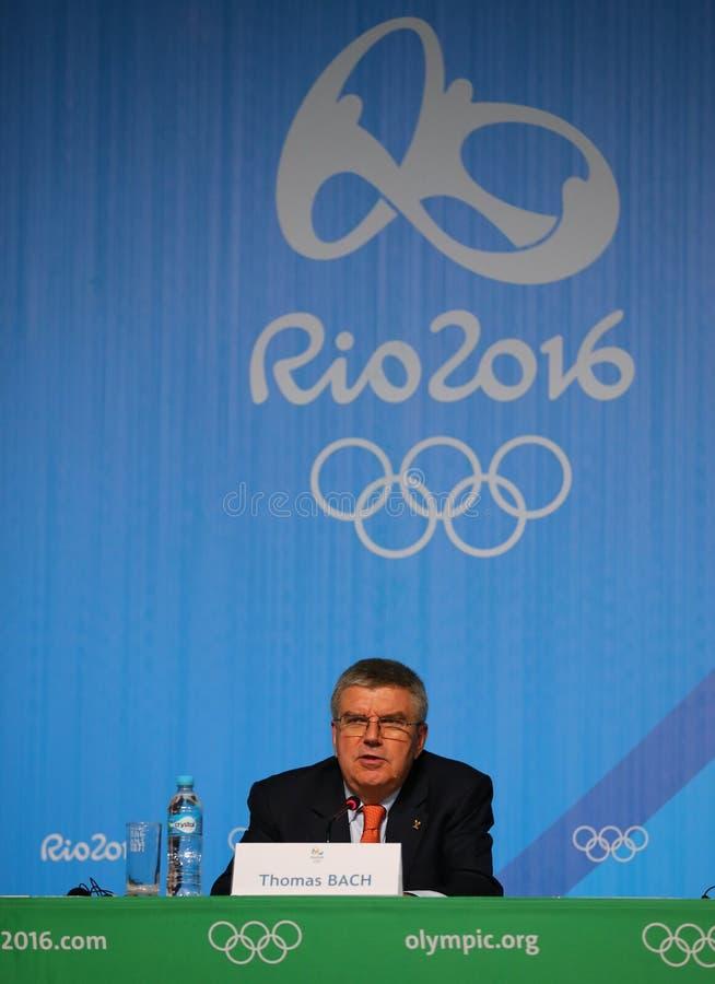 El presidente del comité olímpico internacional Thomas Bach durante rueda de prensa en Río 2016 Juegos Olímpicos presiona el cent imágenes de archivo libres de regalías