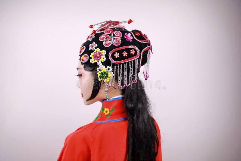 El primer aisló el pelo femenino chino blanco del peine del maquillaje de la mujer de la actriz de la ópera de Pekín del fondo co imagen de archivo