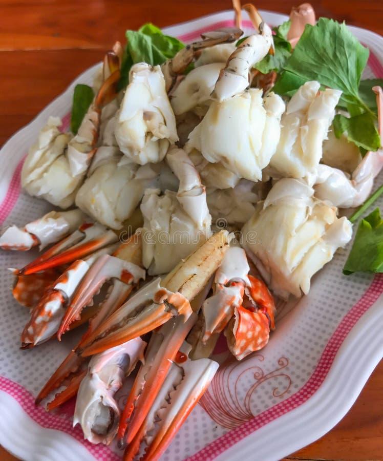 El primer coció la carne de cangrejo, la funda o la paleta-pierna al vapor, mariscos asiáticos tailandeses fotos de archivo libres de regalías