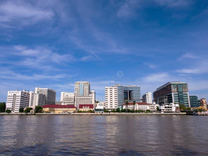 Download El Primer Hospital En Tailandia Debajo Del Cielo Azul Foto de archivo - Imagen de médico, visión: 44851050