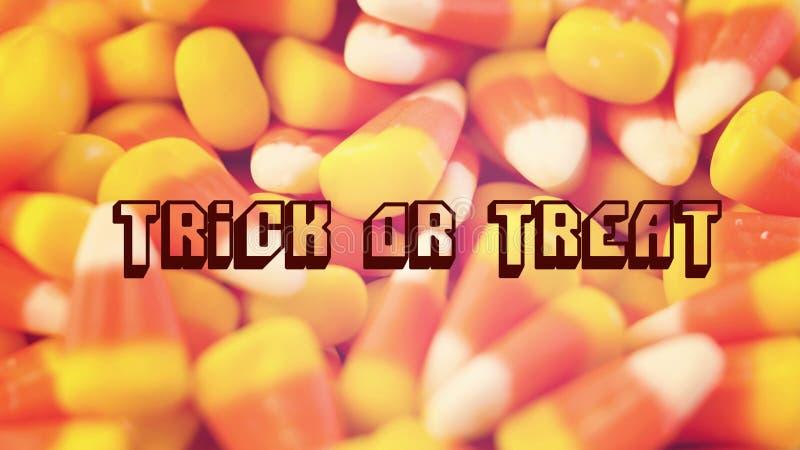 El primer macro de las pastillas de caramelo tradicionales de Halloween trata el filtro retro con el texto fotos de archivo libres de regalías