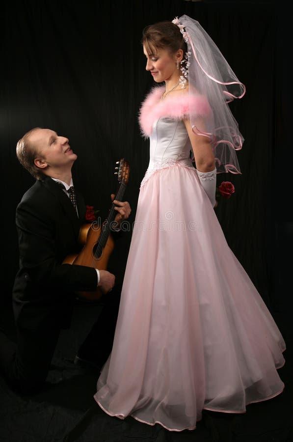 El prometido y el novio en una boda imágenes de archivo libres de regalías