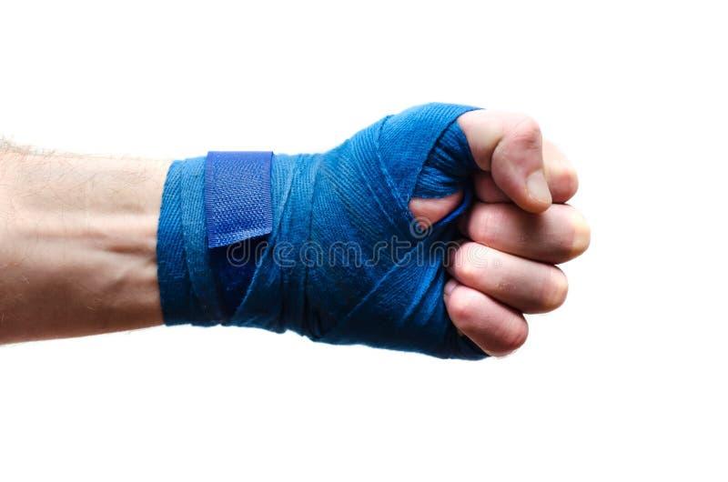 El puño del atleta, boxeador vendado con un vendaje elástico imagenes de archivo