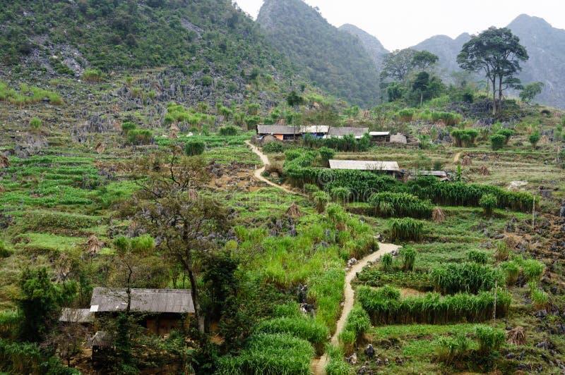 El pueblo en la piedra-meseta de Dong Van, Viet Nam foto de archivo libre de regalías