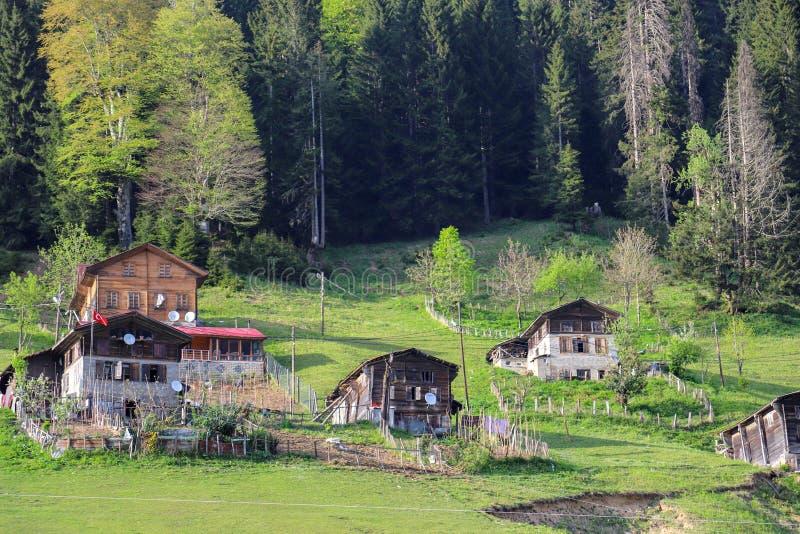 El pueblo tradicional contiene el savsat de Artvin imagenes de archivo