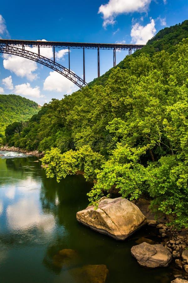El puente de garganta de nuevo río, visto del camino de la estación de Fayette, en t fotografía de archivo