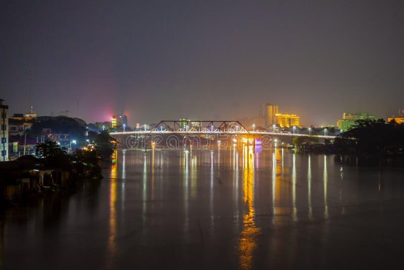 El puente de Keane imagenes de archivo