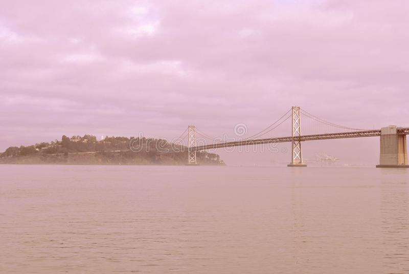 El puente de la bahía de San Francisco-Oakland imágenes de archivo libres de regalías