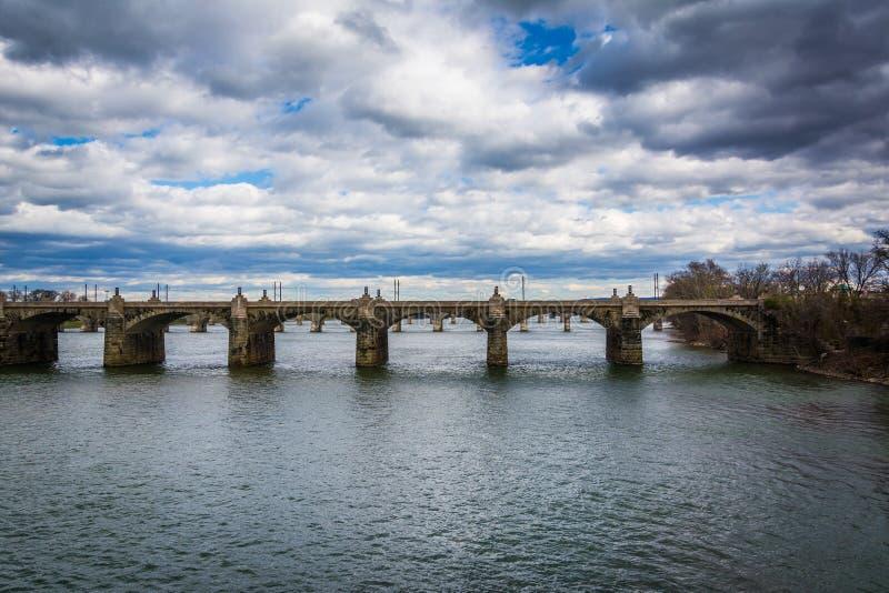 El puente de la calle de mercado sobre el río Susquehanna, en Harrisbu imágenes de archivo libres de regalías