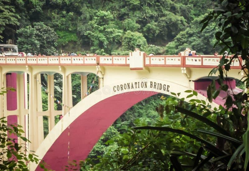 El puente de la coronación, también conocido como puente de Sevoke, en el distrito de Darjeeling de Bengala Occidental, la India, foto de archivo libre de regalías