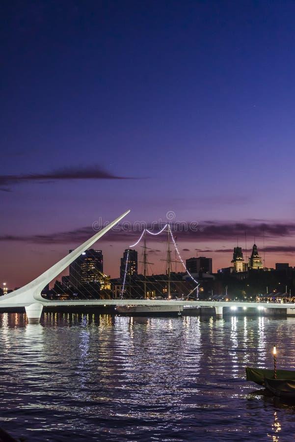 El puente de las mujeres, Puerto Madero, Buenos Aires, la Argentina foto de archivo