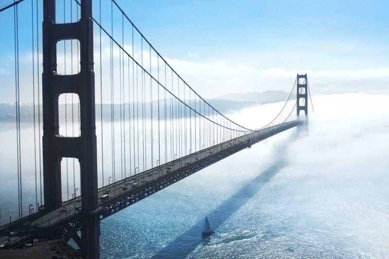 El puente de oro fotografía de archivo libre de regalías
