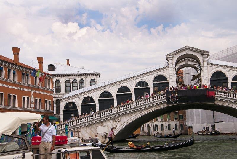 El puente de Rialto en Venecia Italia fotografía de archivo