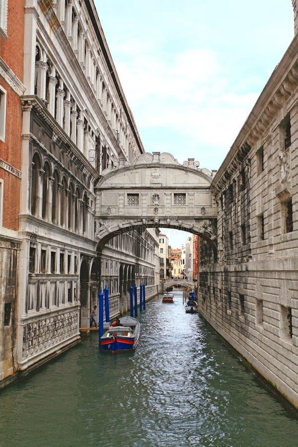 El puente de suspiros en Venecia foto de archivo libre de regalías