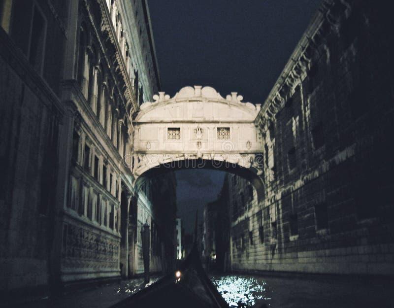 El puente de suspiros en Venecia, Italia foto de archivo