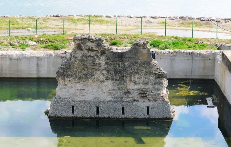El puente de Trajan permanece imagenes de archivo