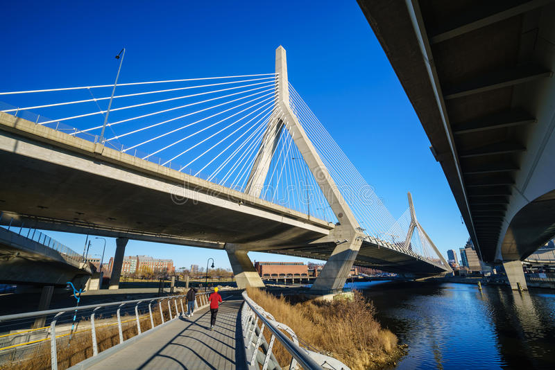 El puente de Zakim en Boston, Massachusetts imagenes de archivo