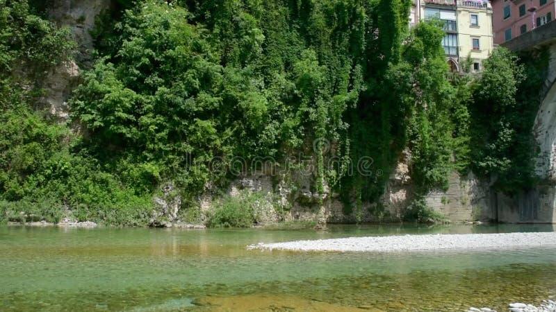 El puente del diablo en Cividale del Friuli almacen de metraje de vídeo