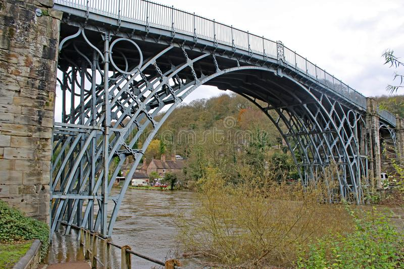 El puente del hierro, Shropshire foto de archivo