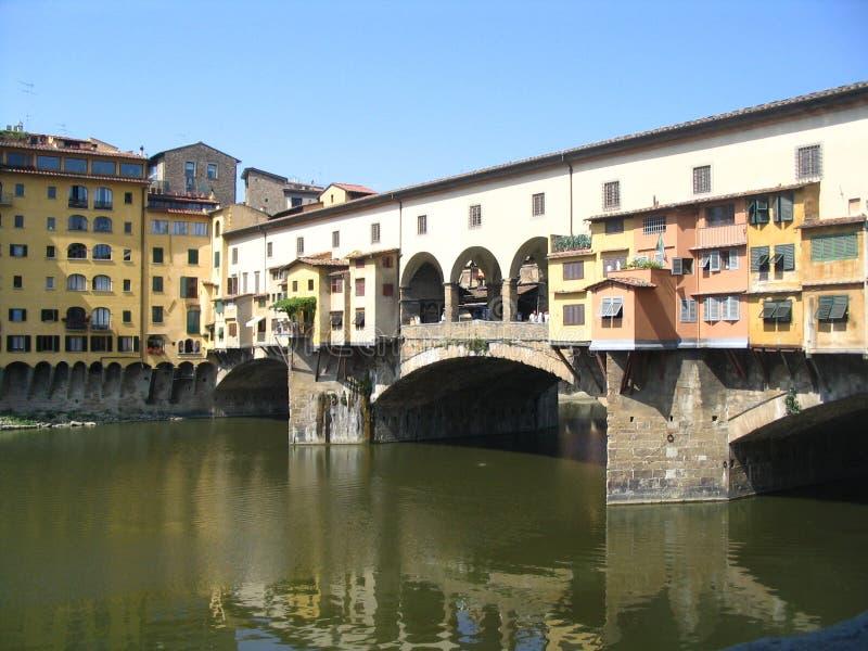 El puente famoso en Florencia imagenes de archivo