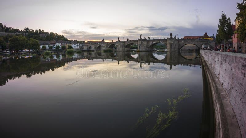 El puente principal viejo en Wurzburg imagen de archivo libre de regalías