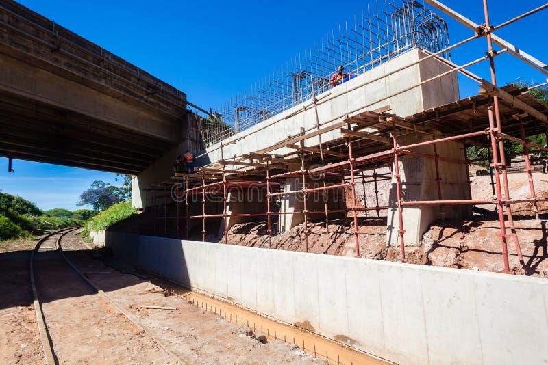 El puente repara la construcción  foto de archivo libre de regalías