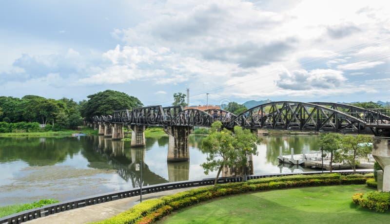 El puente sobre el río Kwai, Tailandia foto de archivo