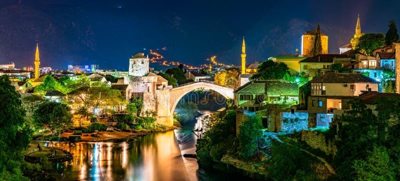 El puente viejo en Mostar, Bosnia y Herzegovina imagen de archivo libre de regalías